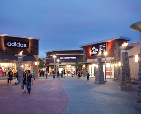 Phoenix Premium Outlets_courtesy-Simon.jpg