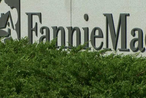 Fannie-Freddie Shares Slide as Mnuchin Dims Investors' Hopes