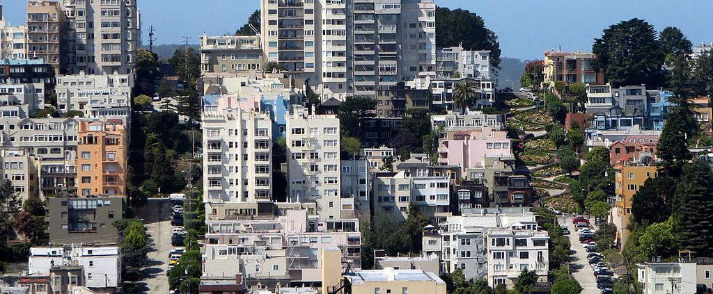 SF-Russian-Hill_by Bernard Gagnon.jpg