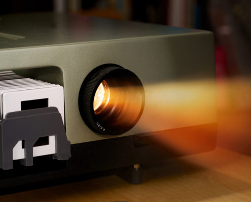 slide projector-GettyImages-886600638.jpg